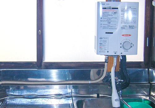 ガス瞬間湯沸器取替え写真